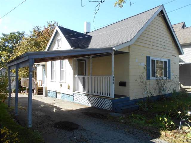 111 Dale Street, Syracuse, NY 13208 (MLS #S1232940) :: Robert PiazzaPalotto Sold Team