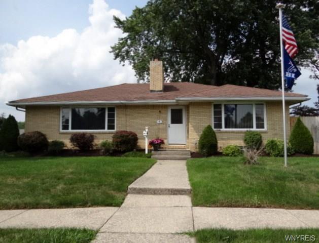 6 Pine Park, Cheektowaga, NY 14225 (MLS #B1063921) :: HusVar Properties