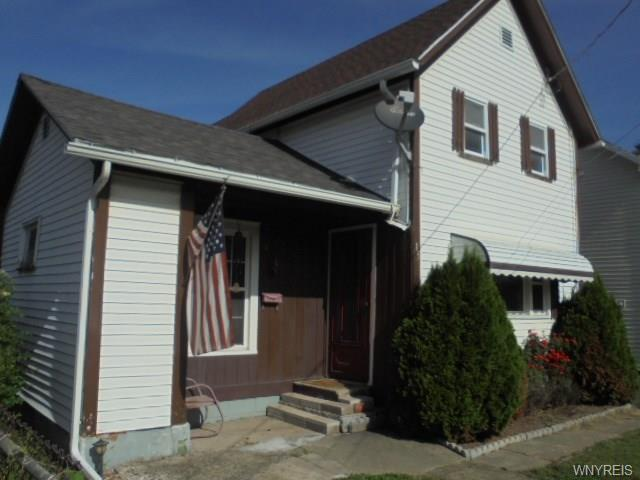 15 Dayton Street, Lockport-City, NY 14094 (MLS #B1077610) :: HusVar Properties