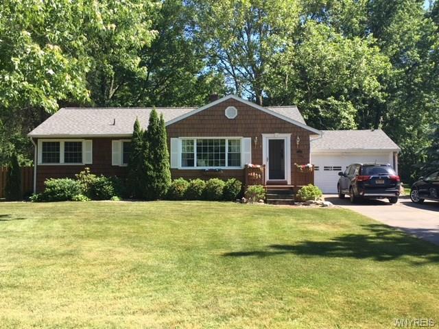 996 Escarpment Drive, Lewiston, NY 14092 (MLS #B1126838) :: The CJ Lore Team   RE/MAX Hometown Choice