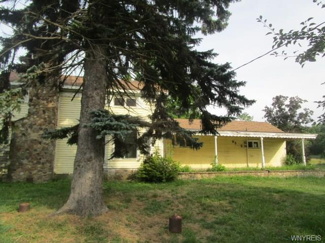 9205 Erie Road, Evans, NY 14006 (MLS #B1147763) :: BridgeView Real Estate Services