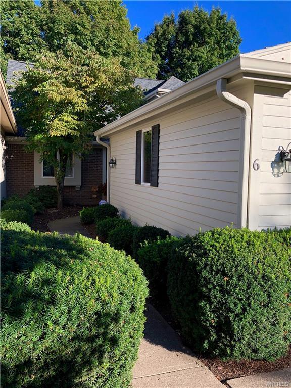 6 Summer Tree, Pittsford, NY 14534 (MLS #B1147988) :: The CJ Lore Team | RE/MAX Hometown Choice