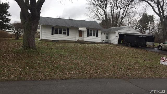 4352 Highland Parkway, Hamburg, NY 14219 (MLS #B1171500) :: BridgeView Real Estate Services