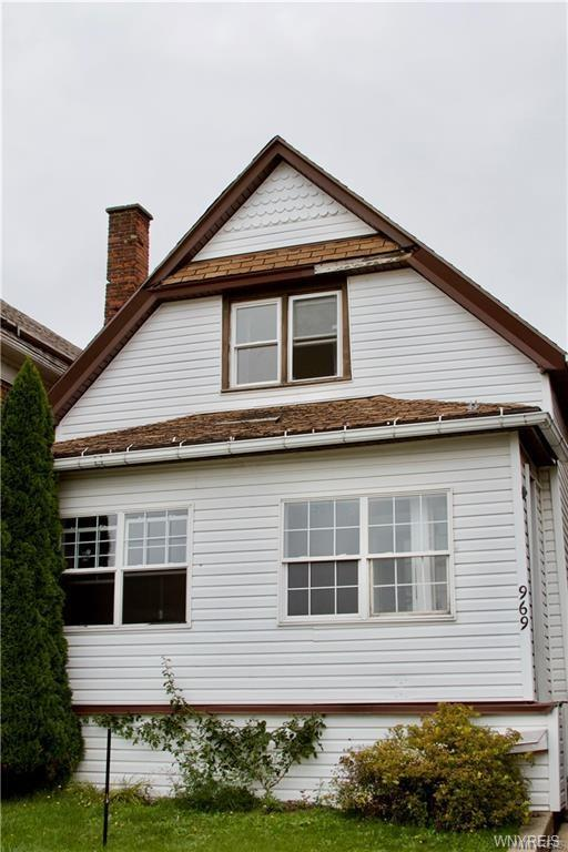 969 Tonawanda Street, Buffalo, NY 14207 (MLS #B1183953) :: Robert PiazzaPalotto Sold Team