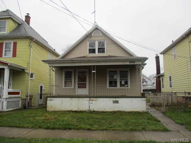 2493 Whitney Avenue, Niagara Falls, NY 14301 (MLS #B1186746) :: BridgeView Real Estate Services