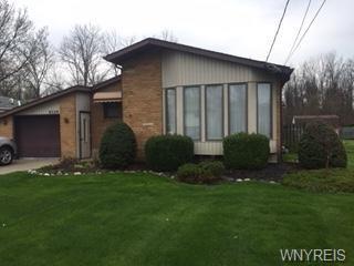 8529 3rd Avenue, Niagara, NY 14304 (MLS #B1192759) :: Robert PiazzaPalotto Sold Team