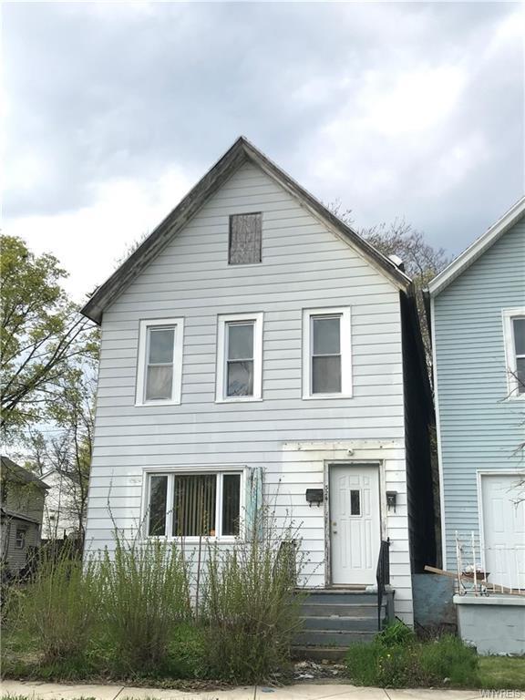 324 Carlton Street, Buffalo, NY 14204 (MLS #B1193961) :: Updegraff Group