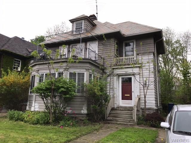 185 Parkside Avenue, Buffalo, NY 14214 (MLS #B1196317) :: Robert PiazzaPalotto Sold Team