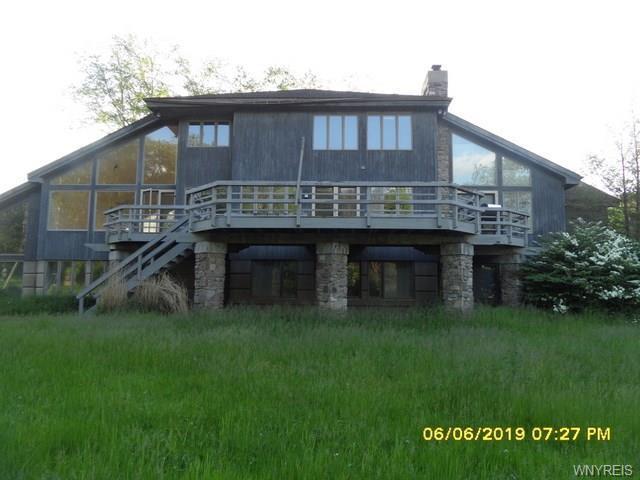 1634 Hubbard Road, Aurora, NY 14052 (MLS #B1201184) :: The Chip Hodgkins Team