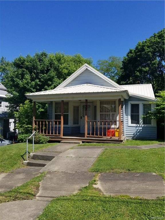32 W 15th Street, Jamestown, NY 14701 (MLS #B1210851) :: BridgeView Real Estate Services