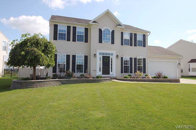 2467 Osprey Lane, Wheatfield, NY 14304 (MLS #B1225465) :: Updegraff Group