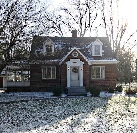 6135 Webster Road, Orchard Park, NY 14127 (MLS #B1246738) :: The CJ Lore Team | RE/MAX Hometown Choice
