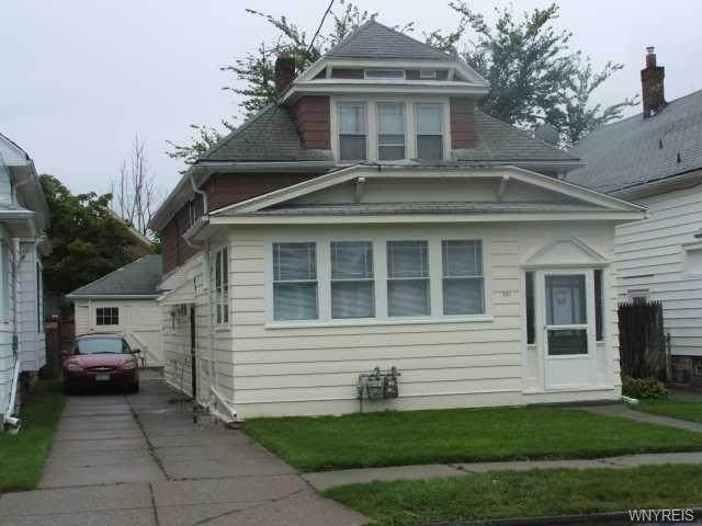 527 Highgate Avenue, Buffalo, NY 14215 (MLS #B1267029) :: Updegraff Group
