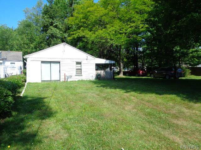 7978 Lake Shore Road, Evans, NY 14006 (MLS #B1276153) :: Lore Real Estate Services