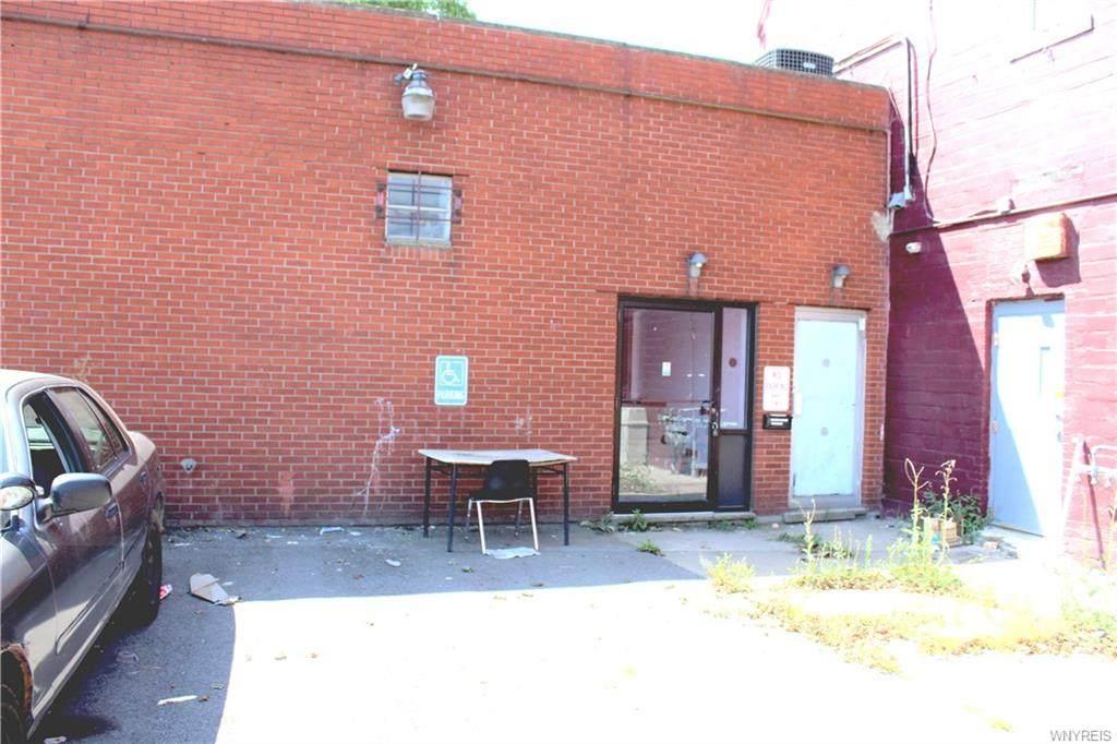 2901 Pine Avenue - Photo 1