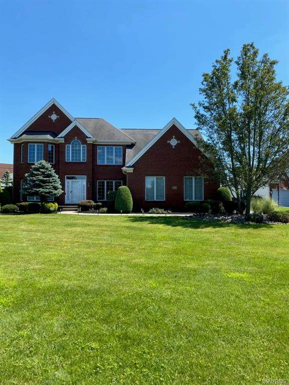 6329 Creekbend Court, Clarence, NY 14032 (MLS #B1286538) :: Lore Real Estate Services