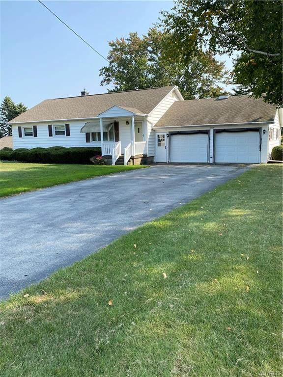 7575 S Pearl Road, Oakfield, NY 14125 (MLS #B1296276) :: Lore Real Estate Services