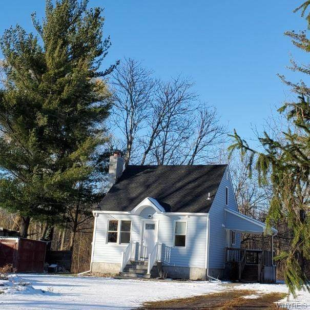 9840 Heroy Road, Clarence, NY 14032 (MLS #B1310155) :: Robert PiazzaPalotto Sold Team
