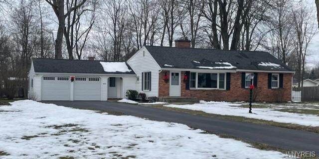 4570 Christian Drive, Clarence, NY 14031 (MLS #B1314832) :: Mary St.George | Keller Williams Gateway