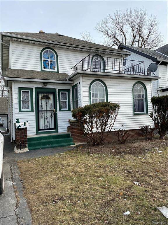 687 Eggert Road, Buffalo, NY 14215 (MLS #B1318486) :: MyTown Realty