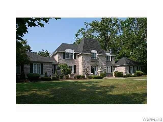 200 Deer Run Drive, Amherst, NY 14221 (MLS #B1322251) :: MyTown Realty