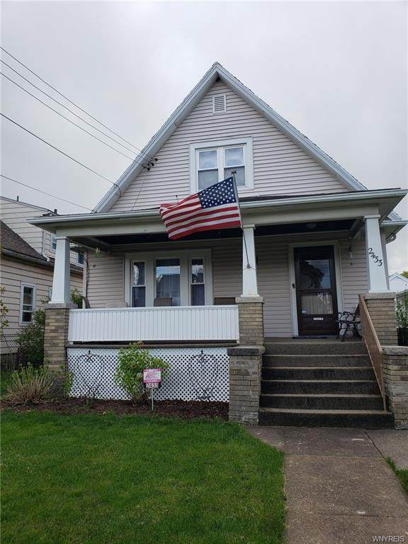 2433 Woodlawn Avenue, Niagara Falls, NY 14301 (MLS #B1332037) :: Robert PiazzaPalotto Sold Team