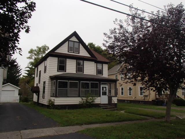 214 W Yates Street, Dewitt, NY 13057 (MLS #R1084905) :: The Chip Hodgkins Team