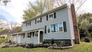 71 Park Road, Pittsford, NY 14534 (MLS #R1095146) :: The Rich McCarron Team