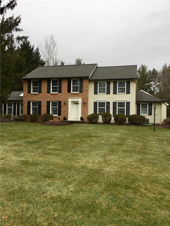 3 White Briar, Pittsford, NY 14534 (MLS #R1099849) :: Robert PiazzaPalotto Sold Team