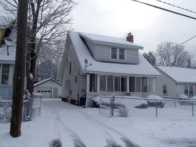 121 Berwyn Avenue, Syracuse, NY 13210 (MLS #R1105612) :: The Chip Hodgkins Team