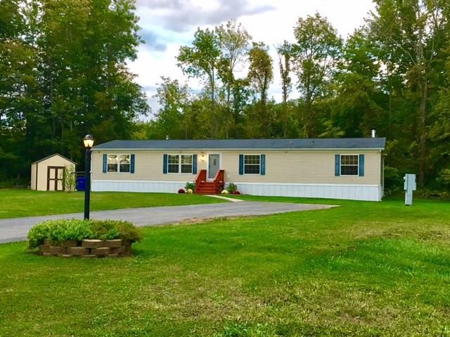 401 Sandybrook, Hamlin, NY 14464 (MLS #R1105809) :: The Chip Hodgkins Team