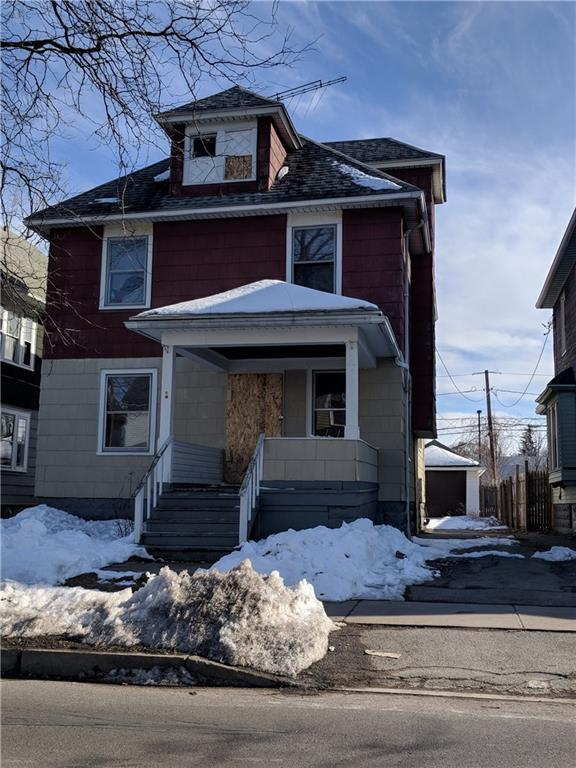 955 Avenue D, Rochester, NY 14621 (MLS #R1105940) :: The Chip Hodgkins Team