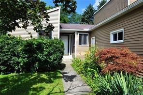 29 Jacaranda Court, Penfield, NY 14526 (MLS #R1142411) :: BridgeView Real Estate Services