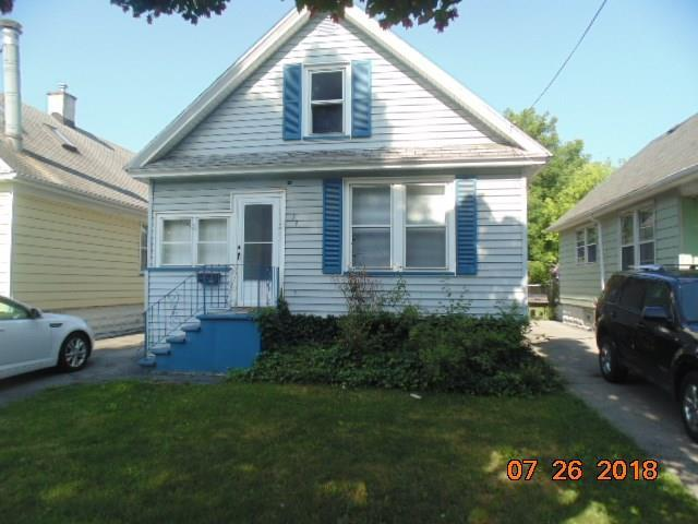 33 Sterling Street, Rochester, NY 14606 (MLS #R1153015) :: The CJ Lore Team | RE/MAX Hometown Choice