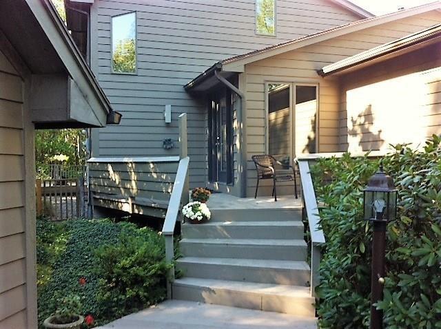 352 Thornbush Drive, Victor, NY 14564 (MLS #R1154037) :: Robert PiazzaPalotto Sold Team