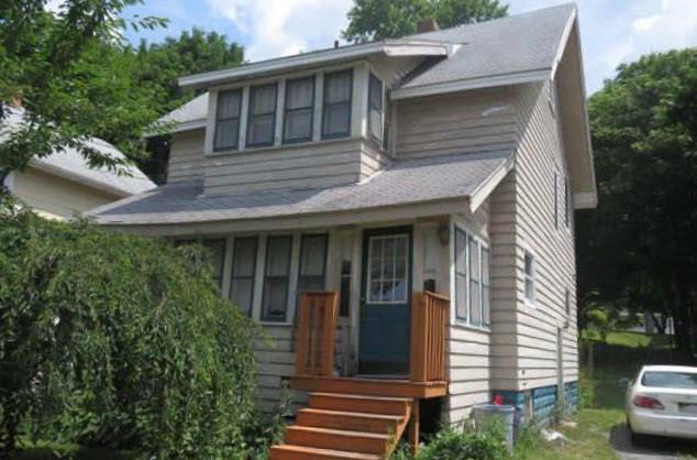 210 Allen Street, Dewitt, NY 13057 (MLS #R1172000) :: The Chip Hodgkins Team