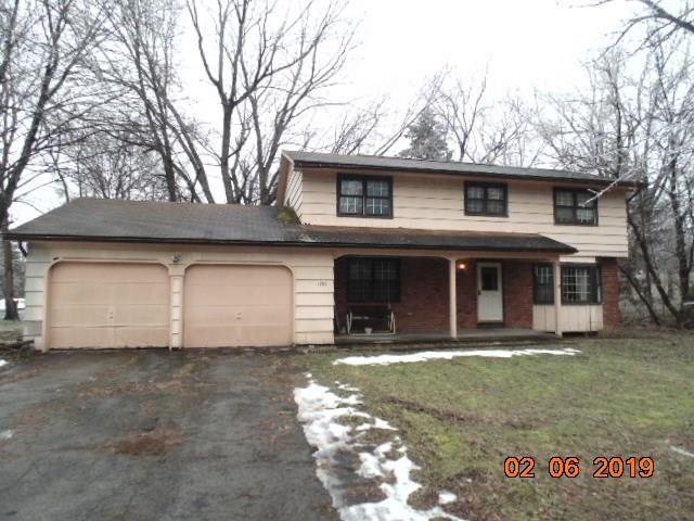 1786 Jackson Road, Penfield, NY 14526 (MLS #R1173069) :: Robert PiazzaPalotto Sold Team