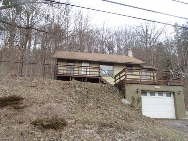 3926 S Street Road, Marcellus, NY 13108 (MLS #R1179710) :: The Chip Hodgkins Team