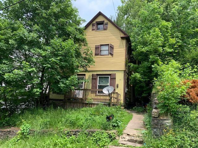 33 English Street, Jamestown, NY 14701 (MLS #R1202828) :: Robert PiazzaPalotto Sold Team