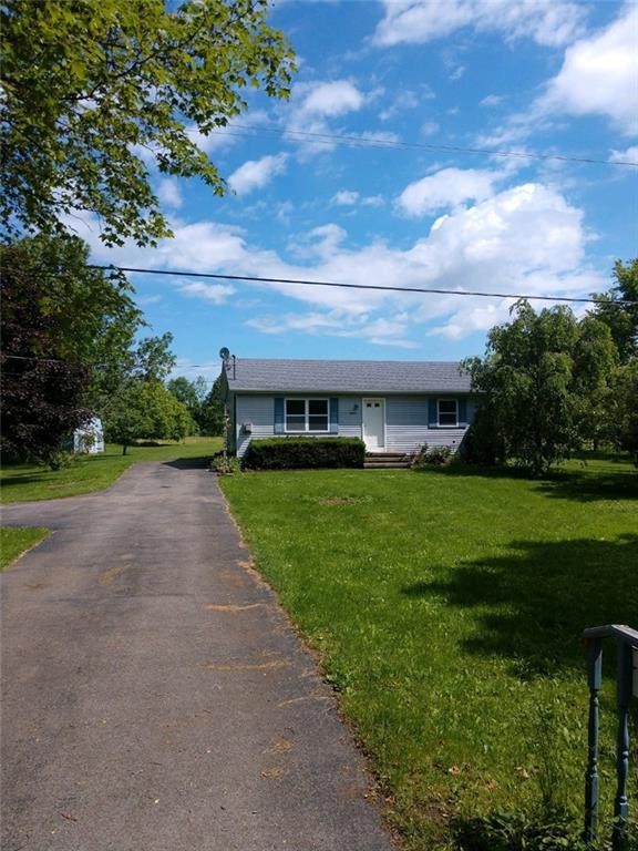 15847 Brown Schoolhouse Road, Clarendon, NY 14470 (MLS #R1202944) :: Updegraff Group