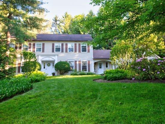 22 Wood Stone Rise, Pittsford, NY 14534 (MLS #R1203663) :: The Glenn Advantage Team at Howard Hanna Real Estate Services