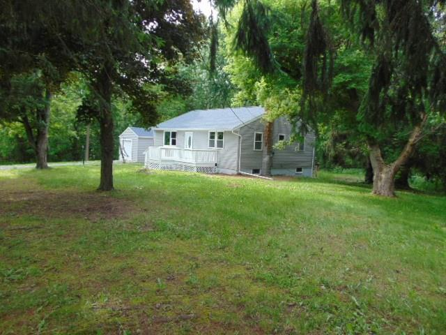 16595 Fourth Section Road, Clarendon, NY 14429 (MLS #R1207075) :: MyTown Realty