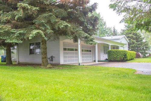 502 Salt Road, Webster, NY 14580 (MLS #R1227208) :: The CJ Lore Team | RE/MAX Hometown Choice