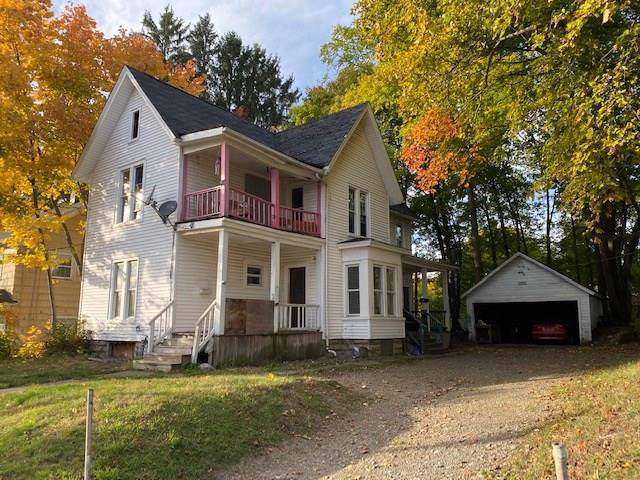 8 15th Street, Jamestown, NY 14701 (MLS #R1233921) :: BridgeView Real Estate Services