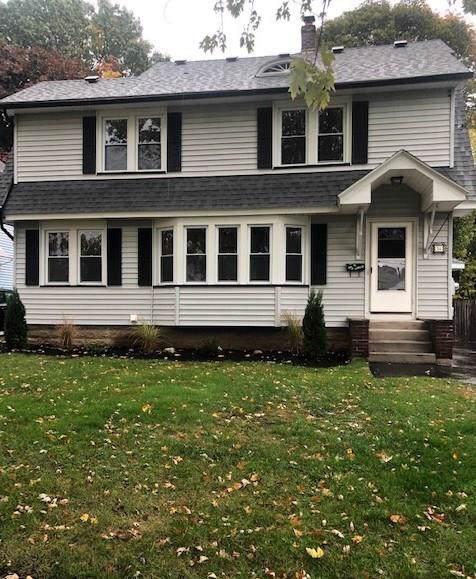94 Walnut Park, Irondequoit, NY 14622 (MLS #R1234076) :: Robert PiazzaPalotto Sold Team