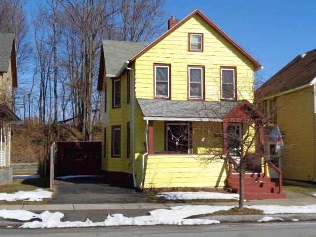 6 Avenue B, Geneva-City, NY 14456 (MLS #R1253167) :: BridgeView Real Estate Services