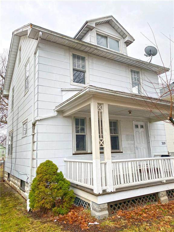 209 Michigan Street, Rochester, NY 14606 (MLS #R1256128) :: Robert PiazzaPalotto Sold Team