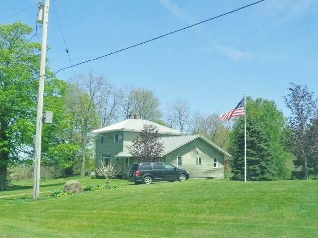 10390 Creek Road, Hanover, NY 14062 (MLS #R1265741) :: The Chip Hodgkins Team