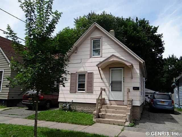 236 Fernwood Avenue, Rochester, NY 14621 (MLS #R1266385) :: Lore Real Estate Services