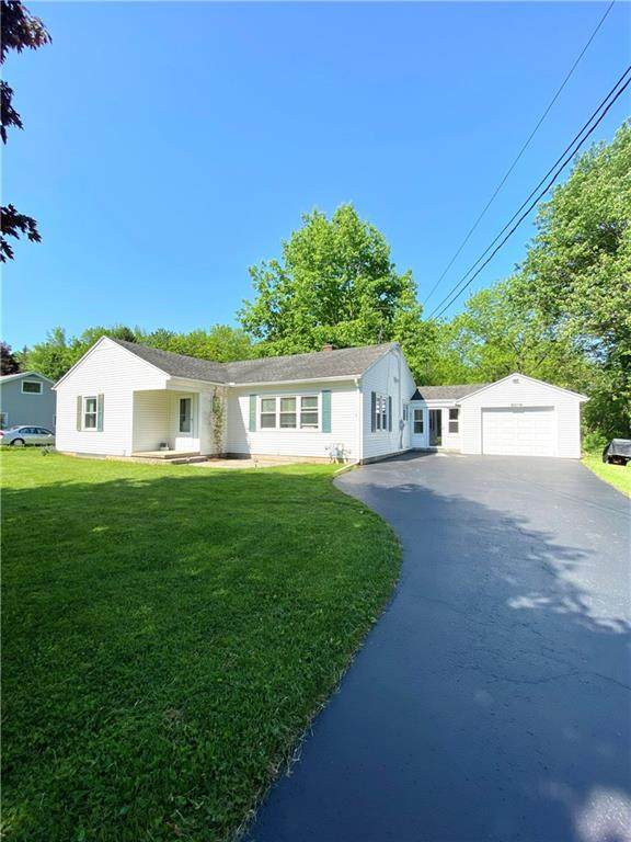 6019 Walworth Road, Ontario, NY 14519 (MLS #R1268874) :: BridgeView Real Estate Services